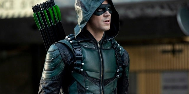 Elseworlds-Arrow-Part-1-4