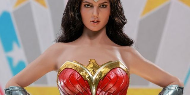 hot-toys-comic-concept-wonder-woman-top
