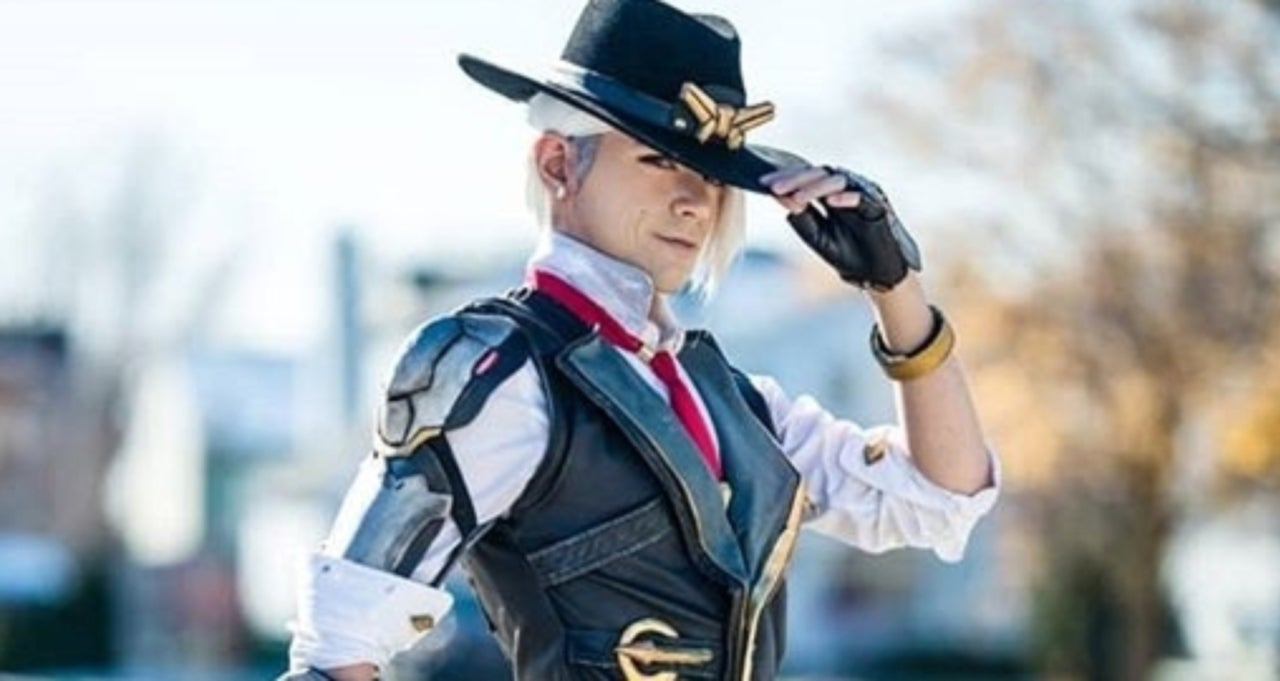 'Overwatch' Cosplayer Brings a Genderbent Ashe to Life