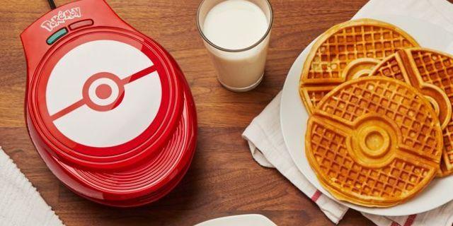pokeball-waffle-maker-top