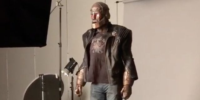 titans-doom-patrol-robotman-set-video