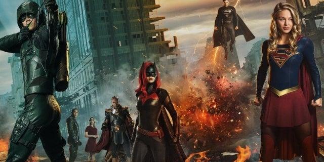 elseworlds header arrow flash supergirl batwoman