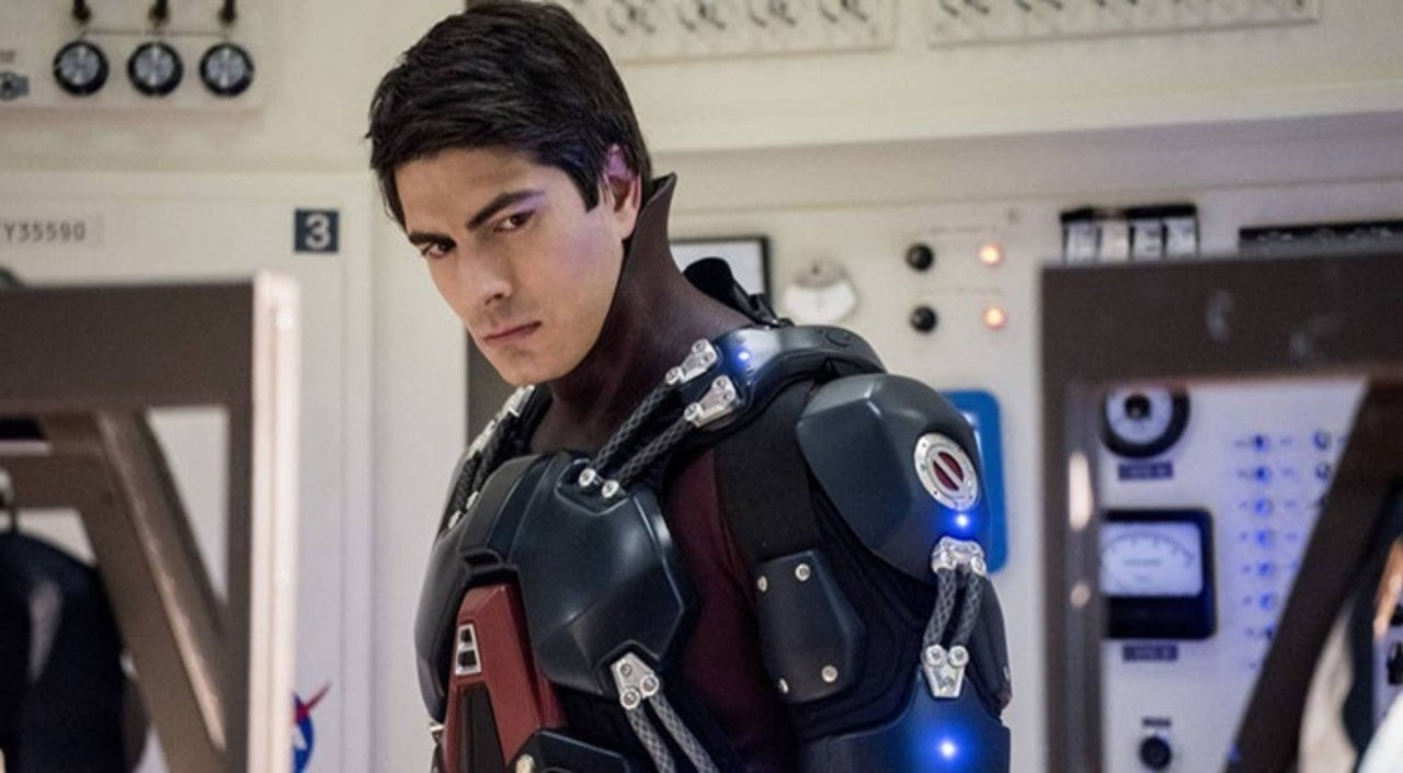Legends of Tomorrow Star Caity Lotz Teases Brandon Routh's Return