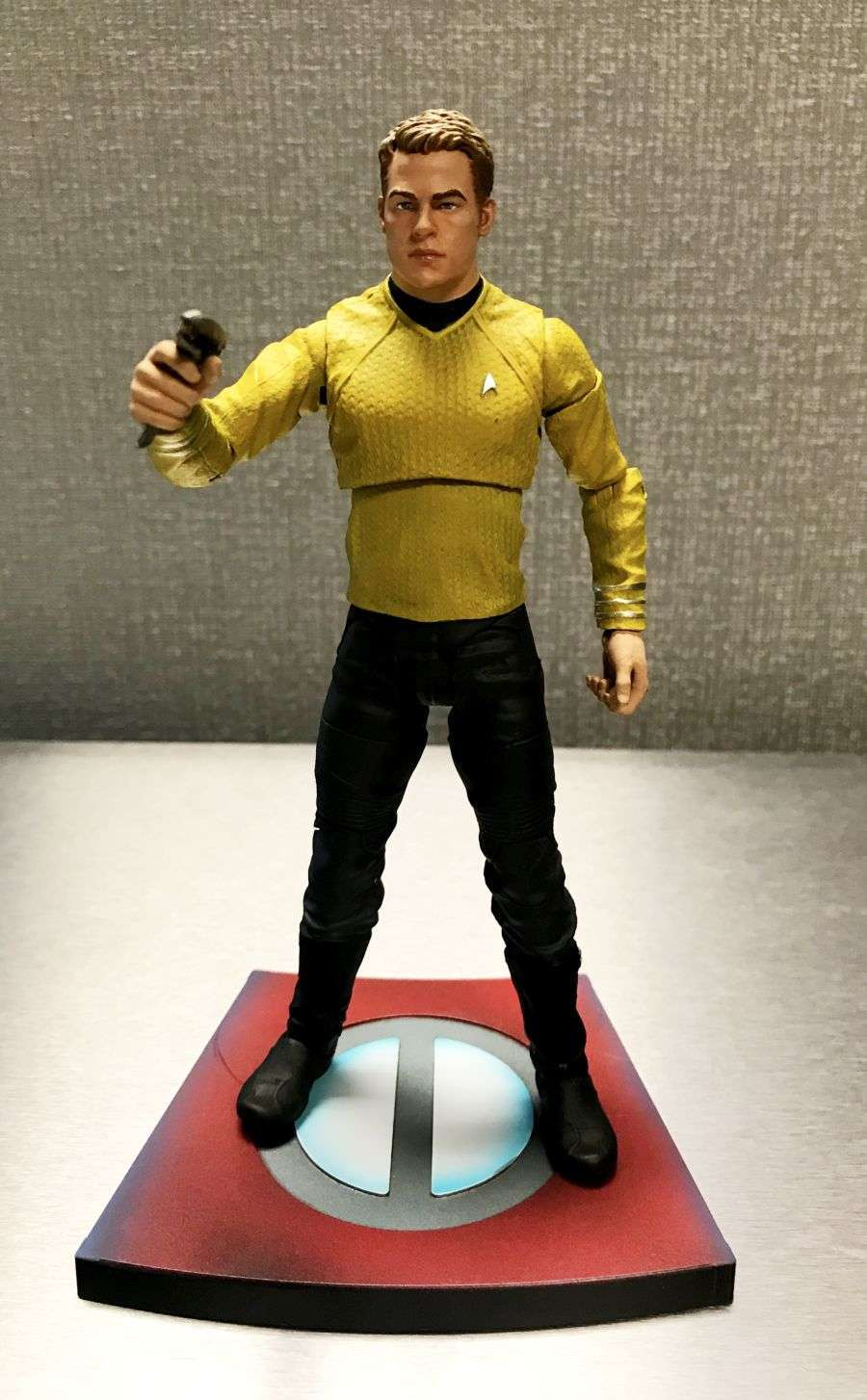 Star Trek Into Darkness Diamond Figures 04