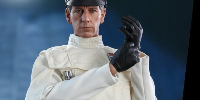 hot-toys-star-wars-director-krennic-top