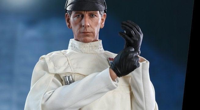 hot-toys-star-wars-director-krennic-top