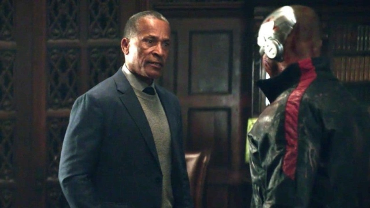 Doom Patrol Actor Phil Morris Talks About Cyborg S Family Drama