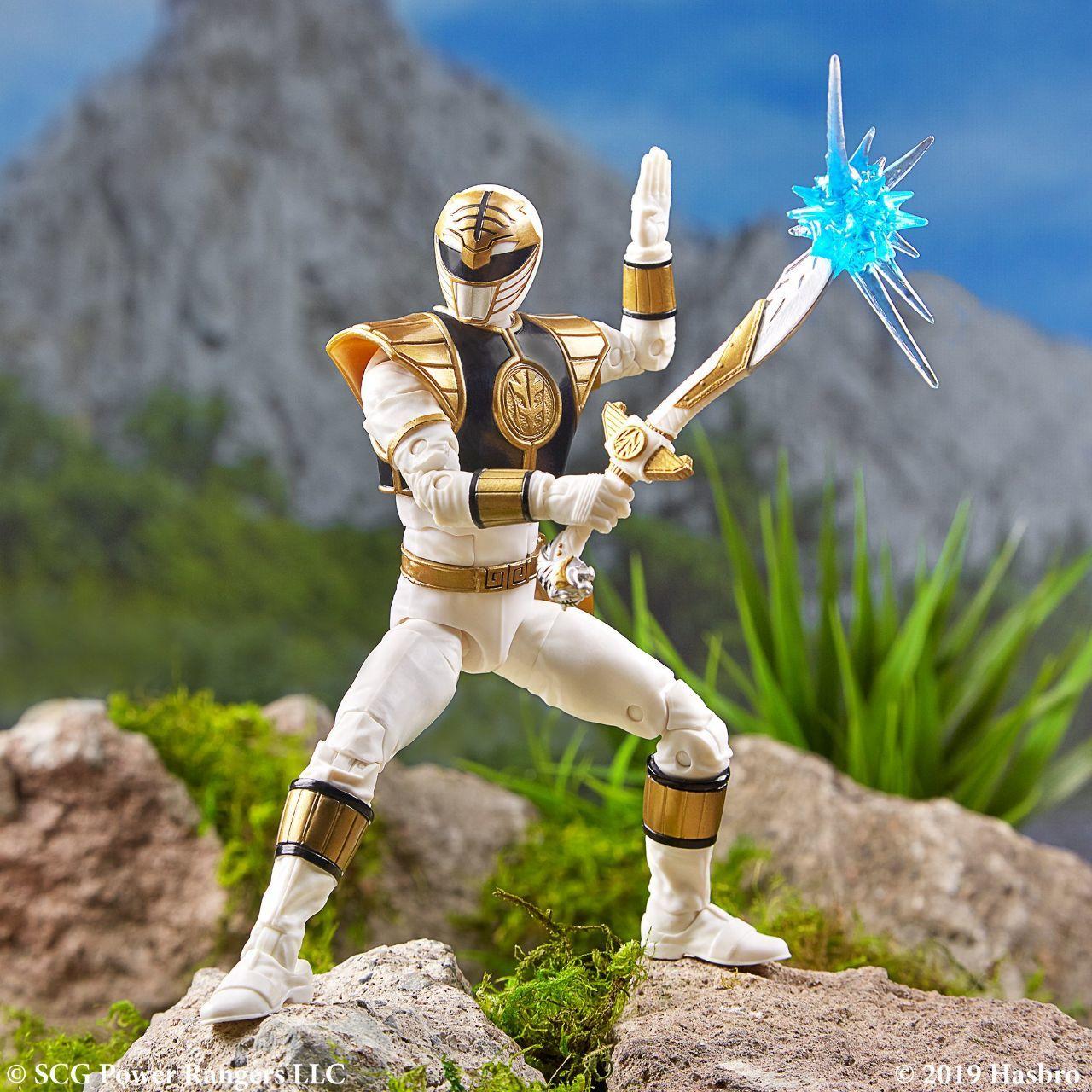 Power-Rangers-Lightning-Collection-White-Ranger-2