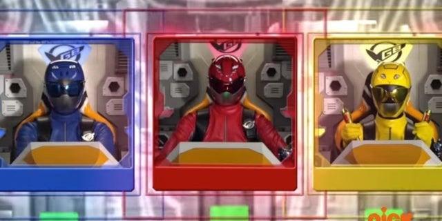 Power-Rangers-Megazord-Cockpit