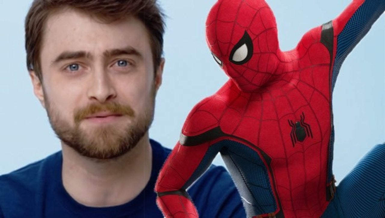 Daniel Radcliffe likes spiderman so much that he attended a comic-con event disguised as him.