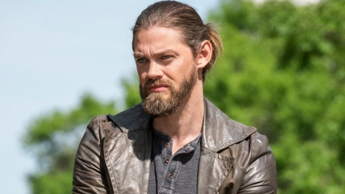 The Walking Dead Jesus Tom Payne season 9