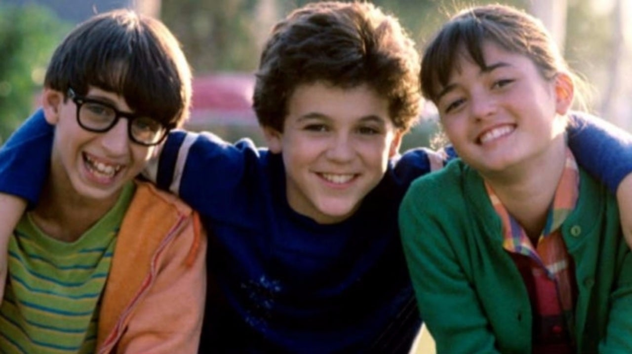 'The Wonder Years' Cast Reunites in Viral Photo