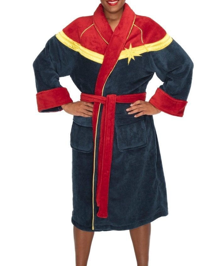 captain-marvel-bathrobe