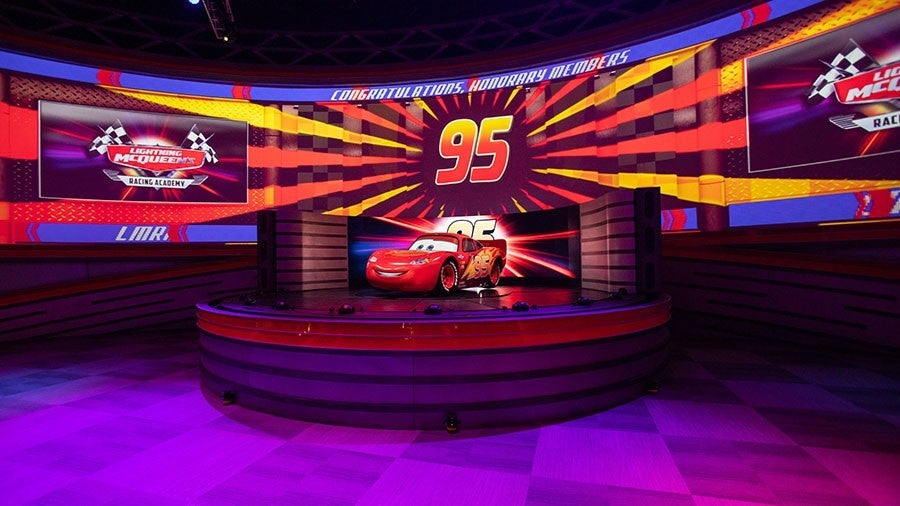 cars lightning mcqueen disney show