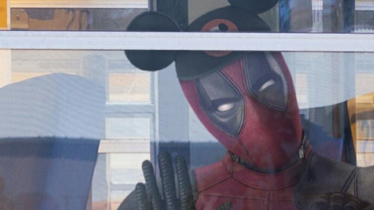 Ryan Reynolds Shares Deadpool Photo For Disney & Fox Merger