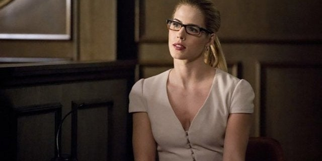 felicity arrow emily bett rickards