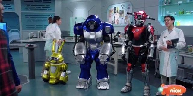 Power-Rangers-Beast-Morphers-Beast-Bots-Debut-1