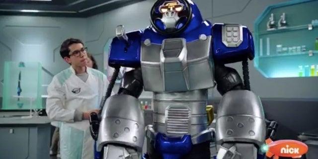 Power-Rangers-Beast-Morphers-Beast-Bots-Debut-3