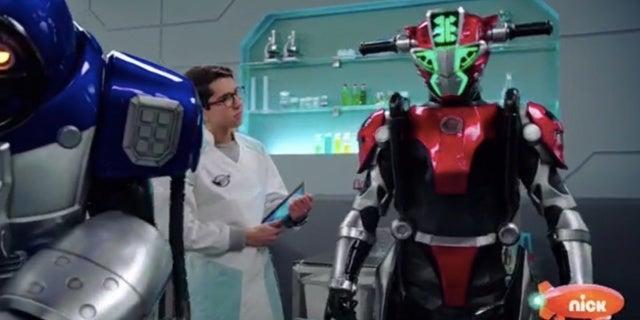 Power-Rangers-Beast-Morphers-Beast-Bots-Debut-7