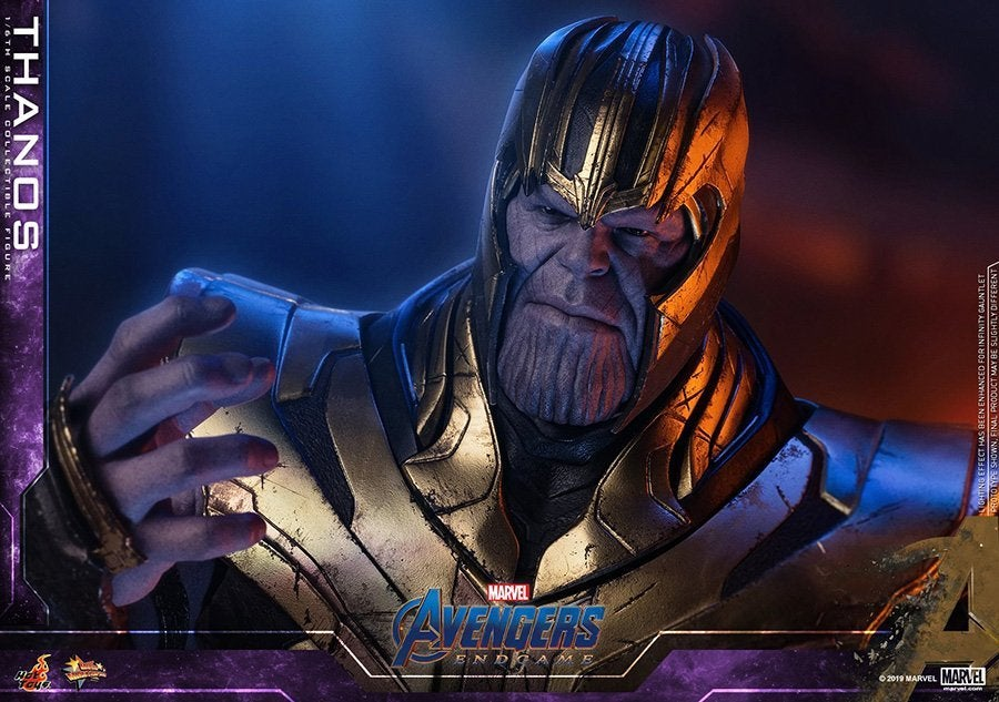 Thanos-Hot-Toys-11