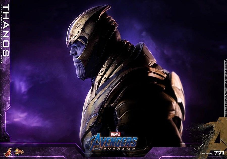 Thanos-Hot-Toys-7