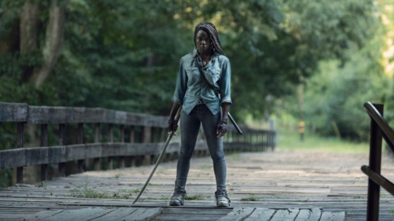 'The Walking Dead': Is There a Traitor Within Alexandria's Ranks?