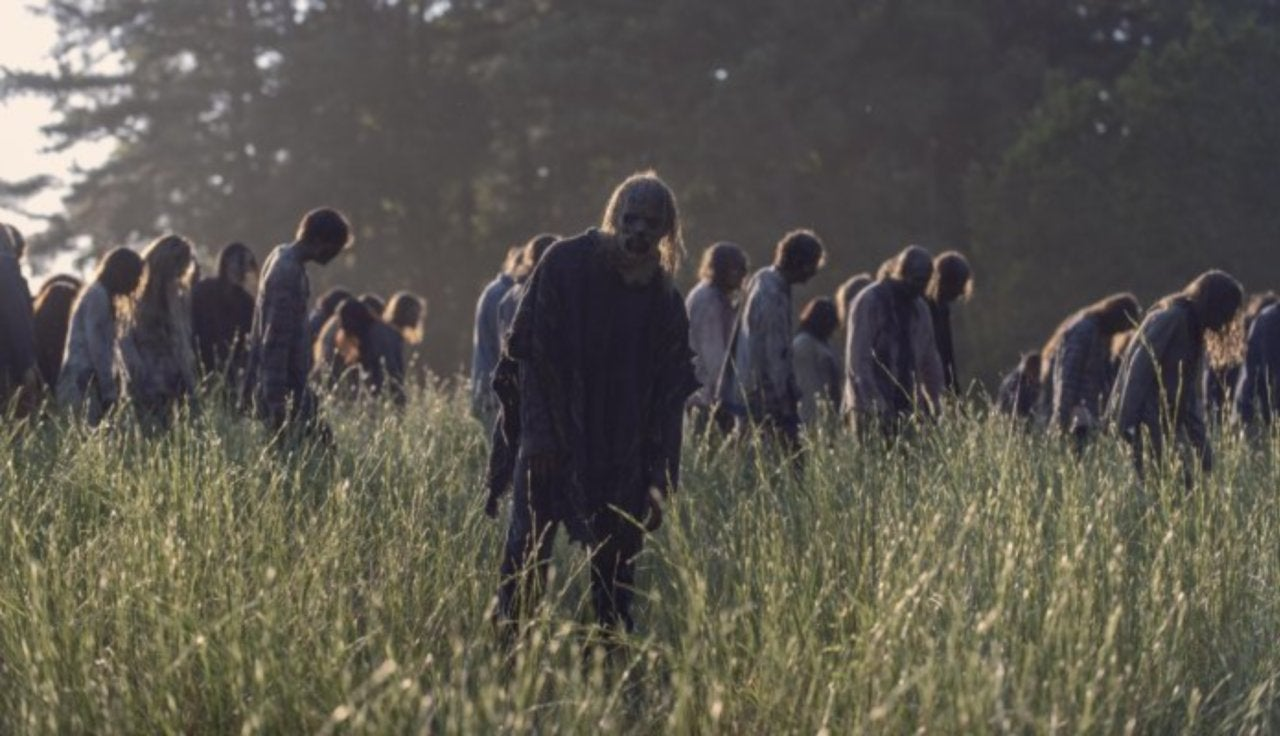 """'The Walking Dead' Creator Teases Future with """"Very Few"""" Zombies as Walkers Decay and Die Off"""