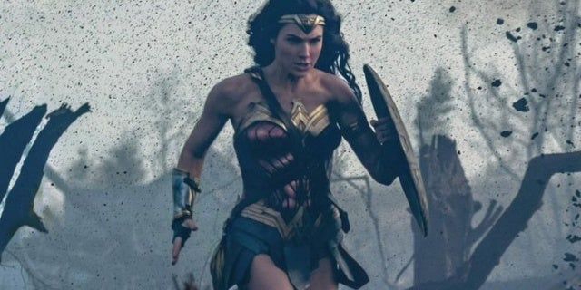 Wonder-Woman-No-Mans-Land-2
