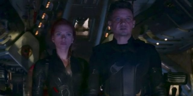 Jeremy Renner Shares Heartbreaking Avengers: Endgame Photo of Hawkeye and Black Widow