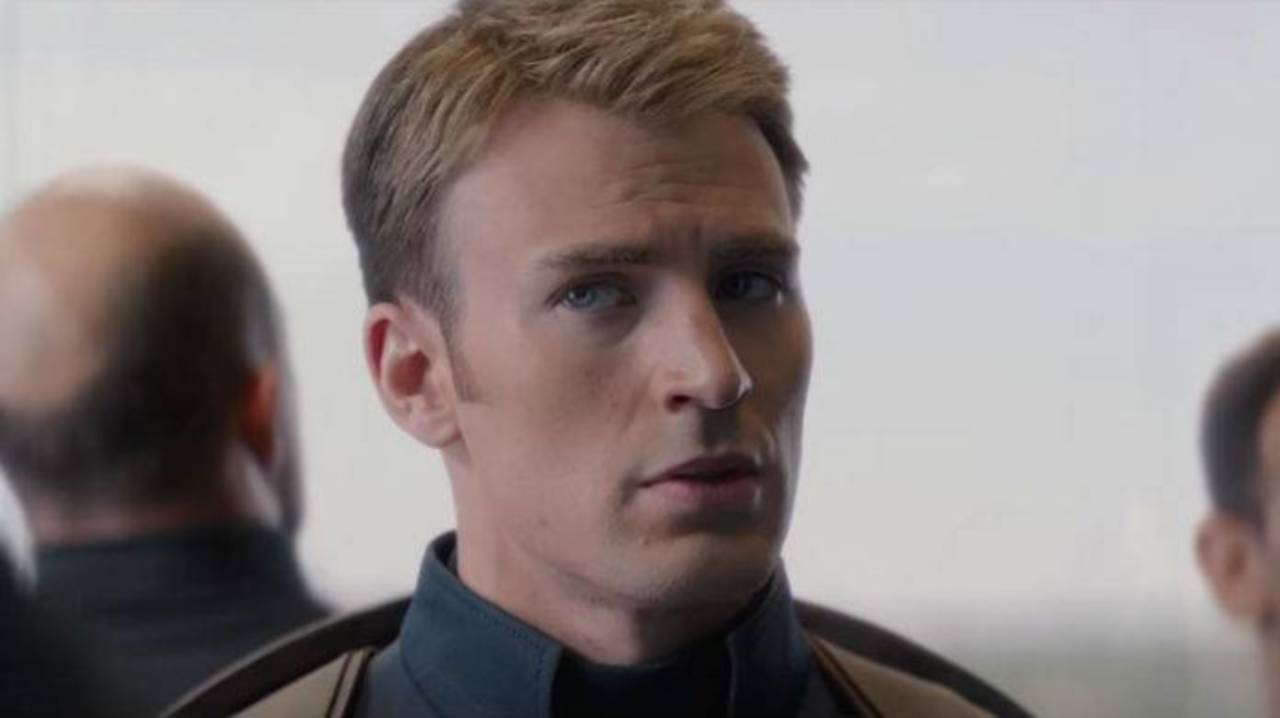 Chris Evans Interrupts Avengers: Endgame Panel to Pet a Dog in the Audience