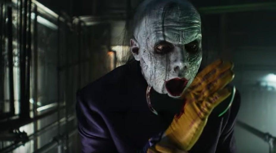 gotham joker batarang
