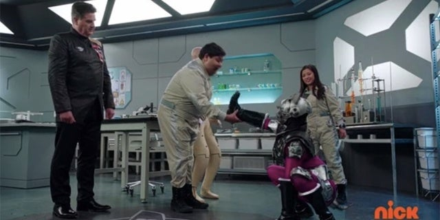 Power-Rangers-Beast-Morphers-Episode-5-4