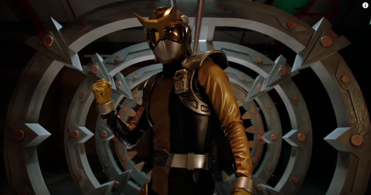 Power-Rangers-Beast-Morphers-Gold-Ranger-2