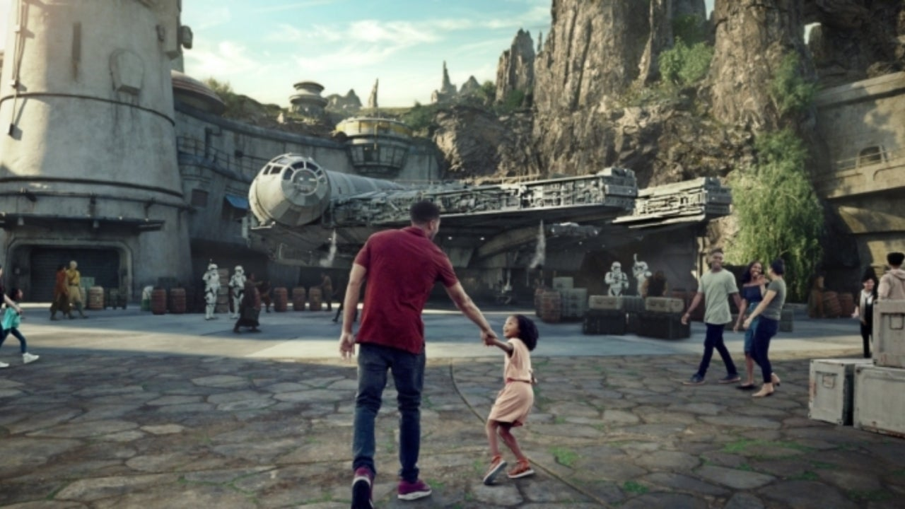 Disneyland Resort Previews Its Star Wars: Galaxy's Edge No-Cost Reservation System