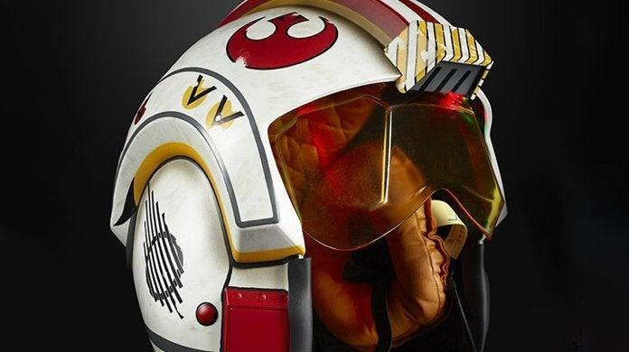 the-black-series-luke-skywalker-electronic-helmet-top