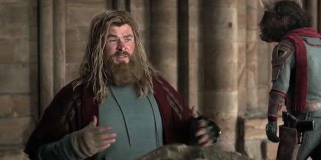 Avengers: Endgame Star Chris Hemsworth Eats Guacamole Off ...