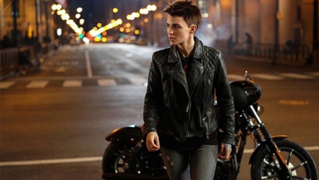 Batwoman: Kate Finds the Batcave in First Official Clip