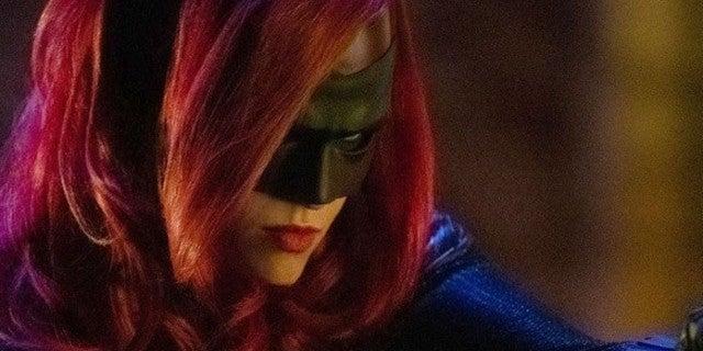 Batwoman Isn't a Fan of Rules in New Series Teaser