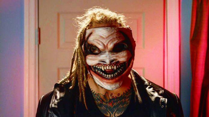 Bray-Wyatt-clown-mask