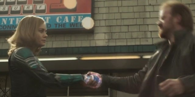 Captain-Marvel-What-No-Smile-Extended-Clip