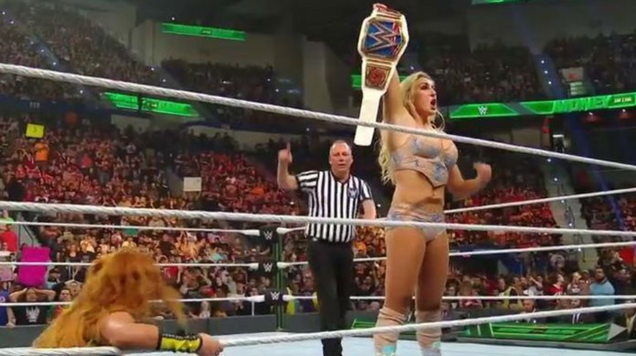 Charlotte Flair Defeats Becky Lynch for SmackDown Women's ...