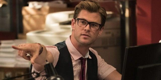 Chris-Hemsworth-Ghostbusters-2016