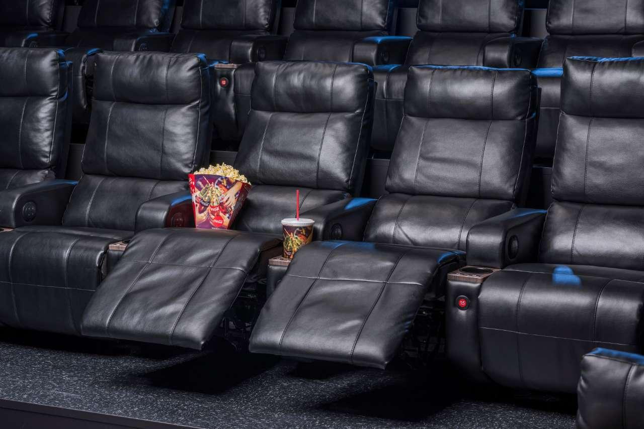 Cinemark Luxury Lounger 2017_ExtendedLeft_Cup-Corn