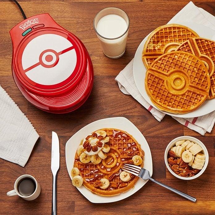 pokemon-poke-ball-waffle-maker