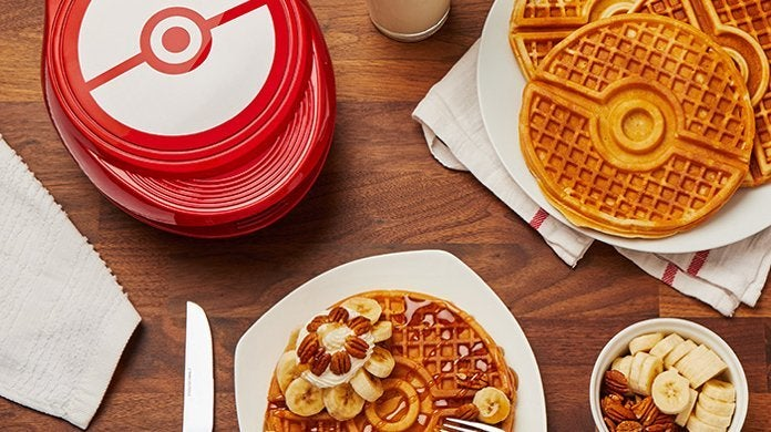 pokemon-pokeball-waffle-maker-top
