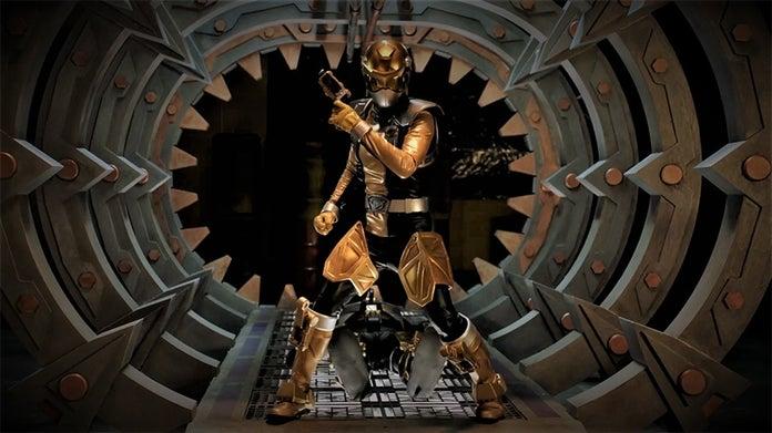 Power-Rangers-Beast-Morphers-Gold-Ranger-3