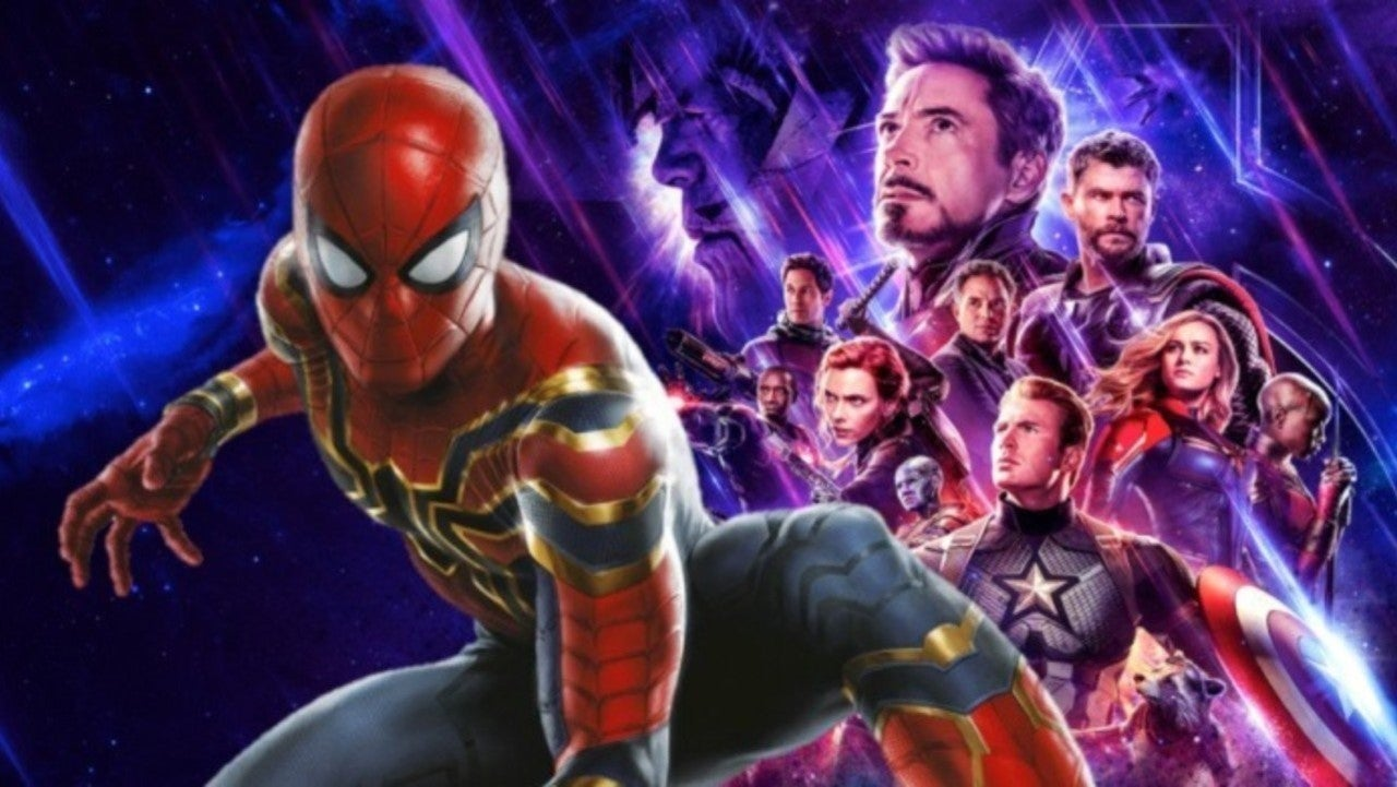 Spider-Man Cospayer's Mechanical Mask Goes Viral