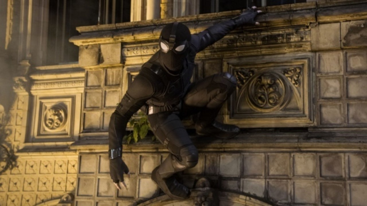 Spider-Man's Stealth Suit in Far From Home Influenced by Black Widow and Hawkeye Suits
