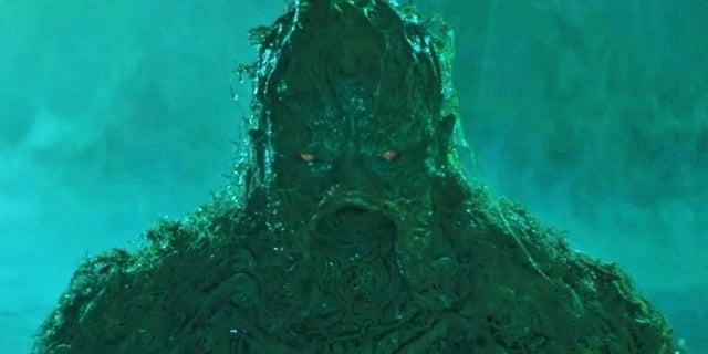 swamp-thing-dc-universe