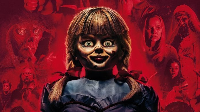 "Annabelle 3 comes home Reviews ""title ="" Annabelle 3 comes home ratings ""height ="" 390 ""width ="" 696 ""data-item ="" 1176220 ""/> </figure> <p><strong>  Week Three <br /></strong><strong>  Friday </strong>: 1.73 million dollars <br /><strong>  Weekend </strong>: 5.55 million dollars <br /><strong>  Total </strong>: 60.76 million dollars </p> <p>  The paranormal investigators Ed and Lorraine Warren is determined to keep the doll away from the artifacts But when the doll awakens the evil spirits of the room, the couple's 10-year-old daughter, her friends, and her little babysitter soon become an unholy night of horror. </p> <p>  <em> Annabelle Comes Home </em> is written and directed by Gary Dauberman. The movie stars Mckenna Grace, Madison Iseman, Katie Sarife, Patrick Wilson and Vera Farmiga, </p> <p><svg role="